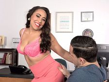 Gabriella Sky's astounding oral-stimulation skills