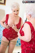 Jewel copulates her granddaughter's boyfriend