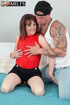 The recent British HORNY HOUSEWIFE shags the delivery boy